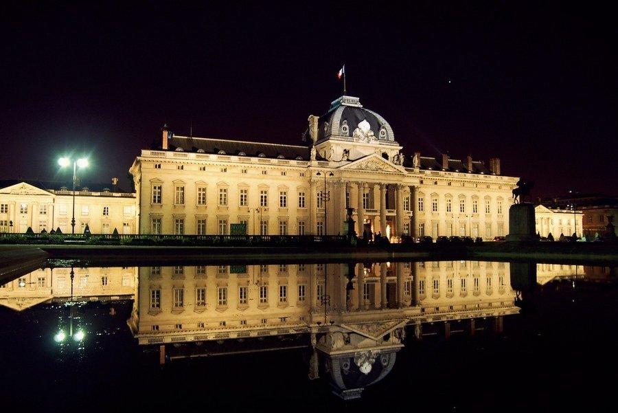 Szkoła Wojskowa, Paryż