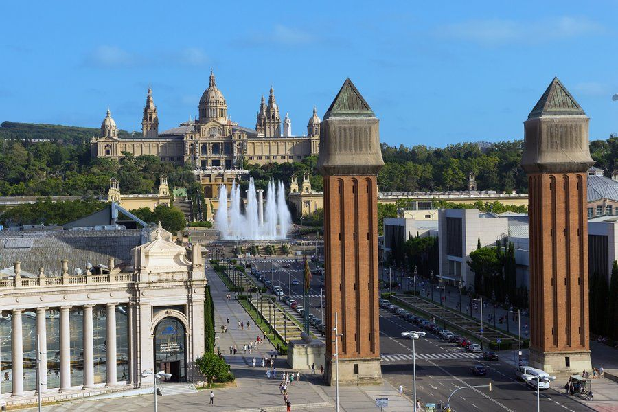Pałac Narodowy, Magiczna Fontanna i Plac Hiszpański w Barcelonie